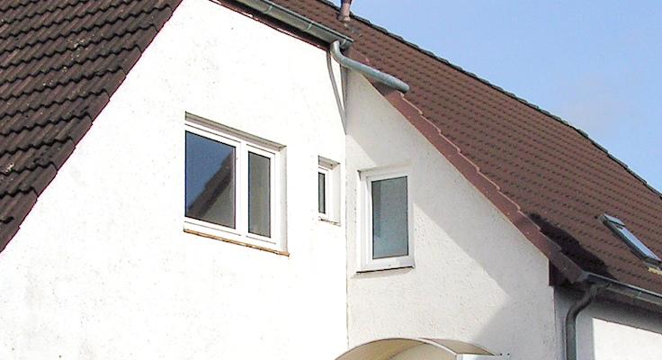 Fensterdetail vor Beginn der Maßnahme